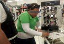 Detienen a mujer que intento salir sin pagar del DAX; llevaba jabón, chicles y pasta de dientes