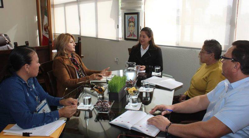 Se reúne Alcaldesa de Loreto y Directora de INVI en BCS