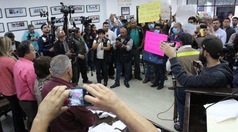 Exigen reporteros al Congreso del Estado intervenga en la investigación del homicidio del periodista Rafael Murúa Manríquez
