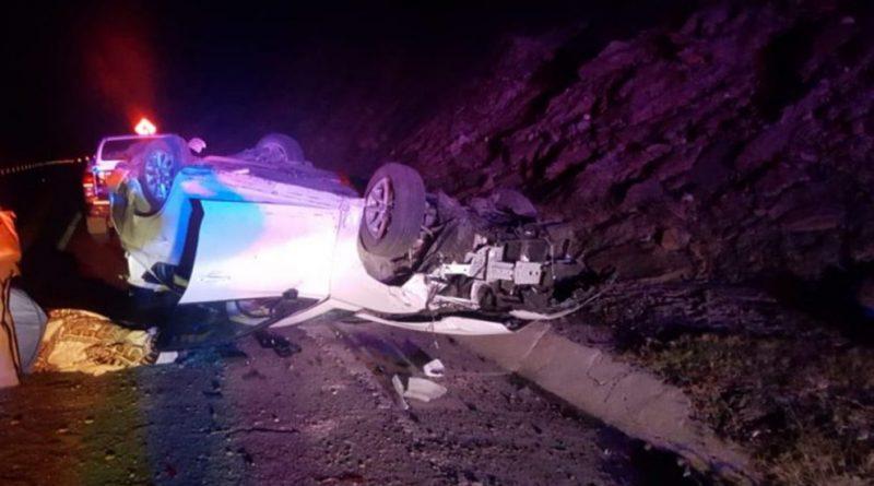 Volcadura en carretera La Paz- Todos Santos, deja al menos dos lesionados