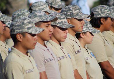 BCS única entidad en ofrecer bachillerato mixto militarizado