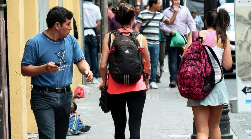 Proponen tipificar el acoso sexual callejero como delito