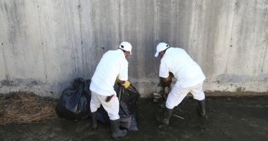 Realizan jornada de limpieza en el canal pluvial de Miramar en CSL